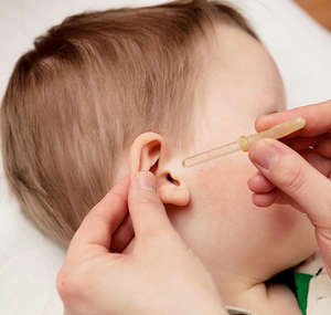 The baby's ear drops