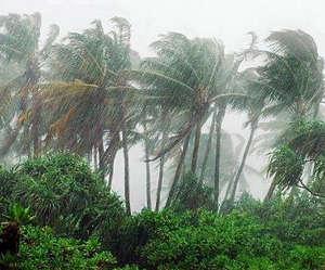 Тайфун на острове Хайнань