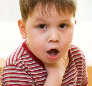 Болит горло у мальчика