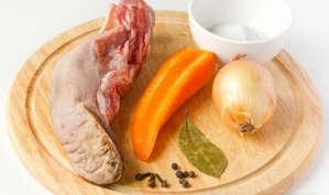 Cвиной язык морковь лук