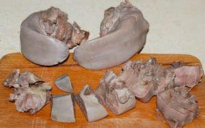 Свиной язык порезанный на кусочки