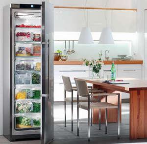 Narrow freezer