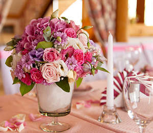 Bouquet of roses on the holiday table
