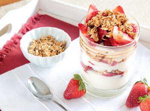 Yoghurt and cereals