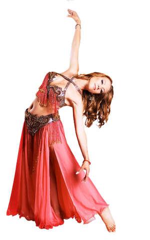Девушка танцует танец