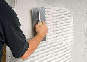 Applying tile glue