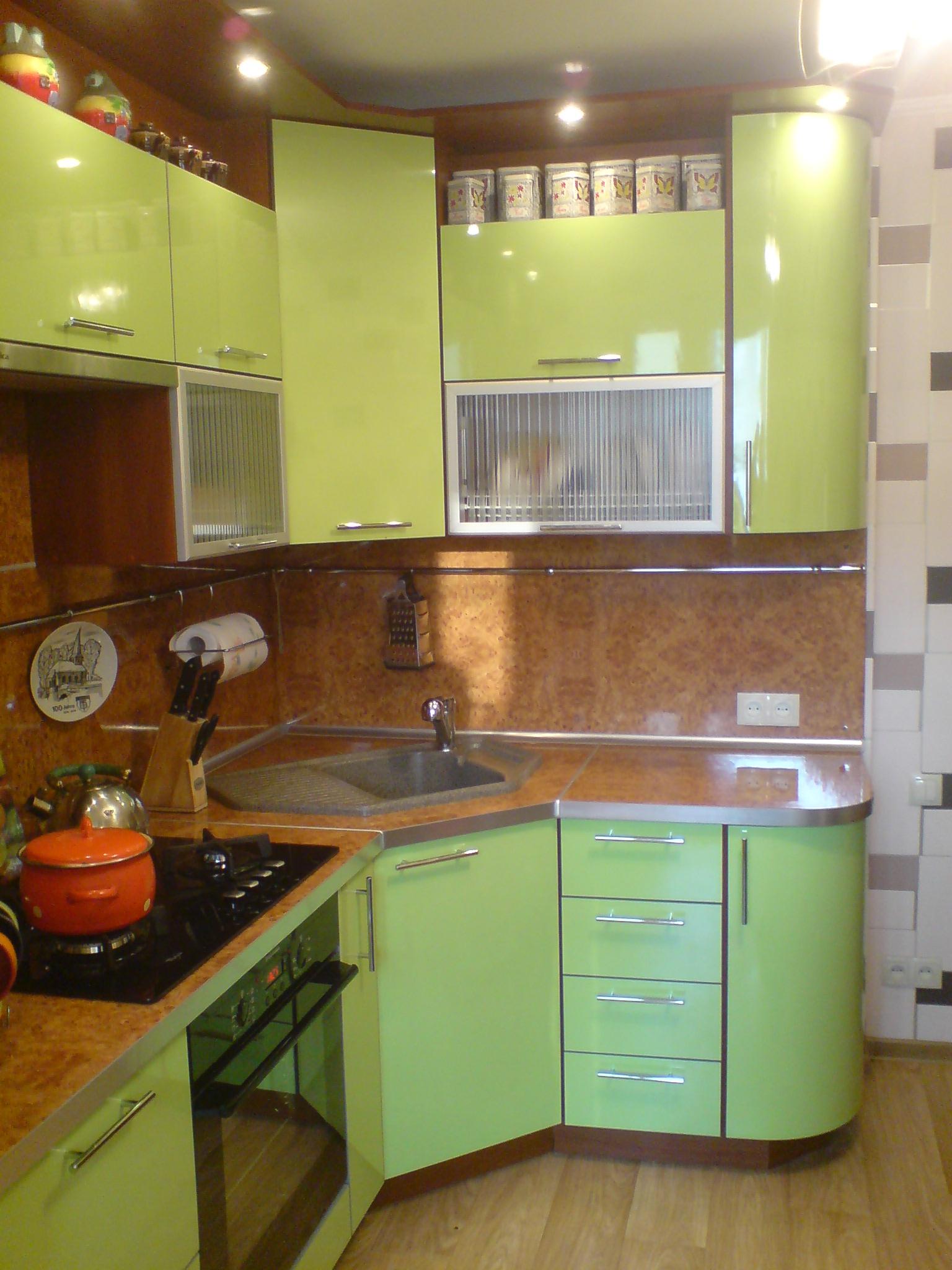 Дизайны маленьких кухонь угловых фото