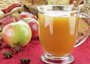 Apple juice in a mug