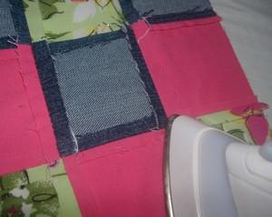 Smoothing seams pillows