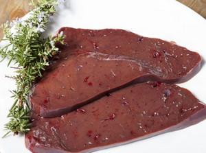 Как сделать нежные котлеты из говяжьей печени с морковью в духовке или на пару (рецепты)