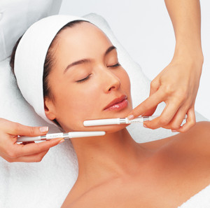 Cosmetic procedure for the face in the salon