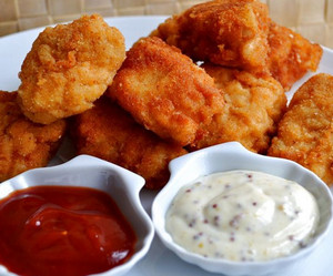Nuggets and two sauces