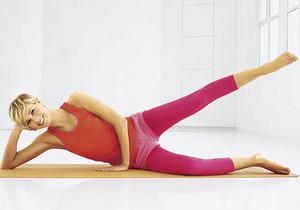 Подъем ноги лежа на боку
