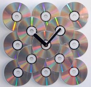 Часы из компакт-дисков