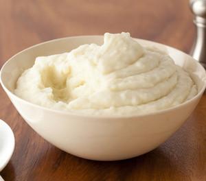 Сыр маскарпоне в тарелке