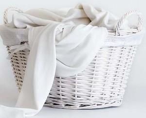 Как отбелить посеревшие, пожелтевшие или полинявшие белые вещи в домашних условиях при стирке?