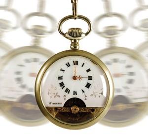 Качающиеся карманные часы
