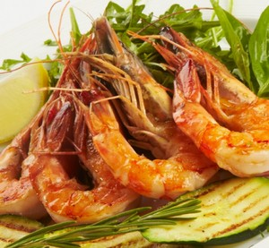 King prawns with herbs and vegetables