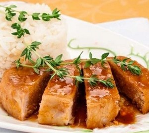 Pork chop in soy sauce with rice