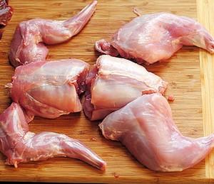 Как вкусно приготовить гуся в духовке, чтобы он был сочным?