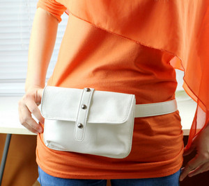 White belt bag for a woman