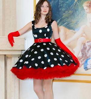 Короткое пышное платье в горошек