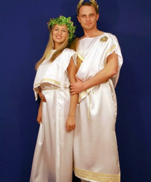 A man and a woman in ancient Roman chitons