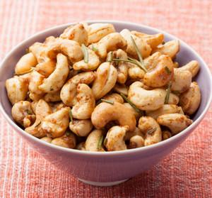 Подсушенные орехи кешью