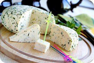 Сыр с укропом на шпажке