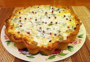 Quiche pie with vegetables