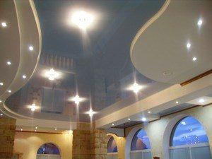 Синий подвесной потолок