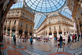 Shopping and sightseeing in Milan