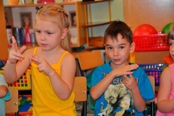 Simple finger games for kids