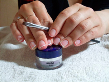 strengthening nails with biogel